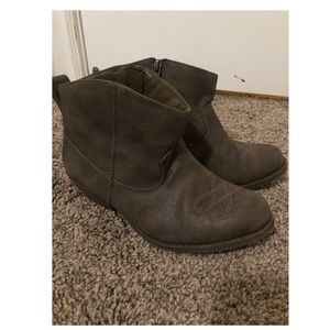 Cowgirl boots. Booties